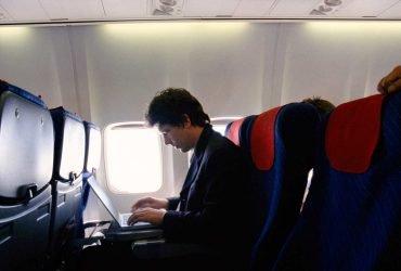 На трансатлантических рейсах в США запретили ноутбуки, планшеты и камеры