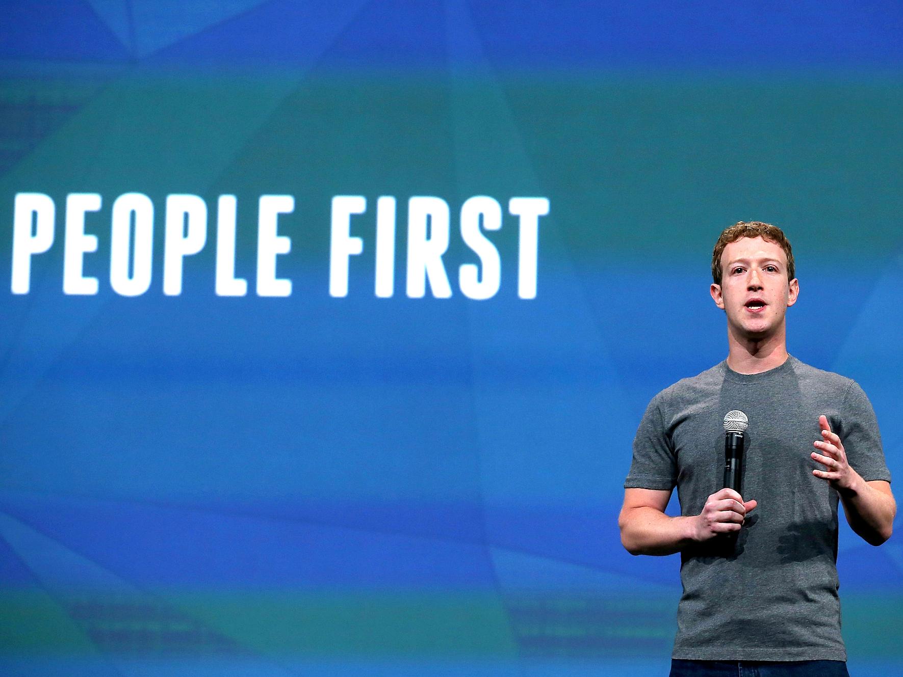 Краудфаундинг на Facebook - не новость, но теперь его может запустить любой человек. Фото: businessinsider.com