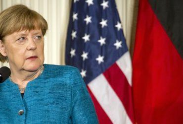 В соцсетях шутят над тем, как Меркель посмотрела на Иванку Трамп