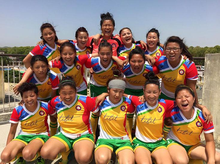 Тибетская женская сборная по футболу. Фото: lionsroar.com