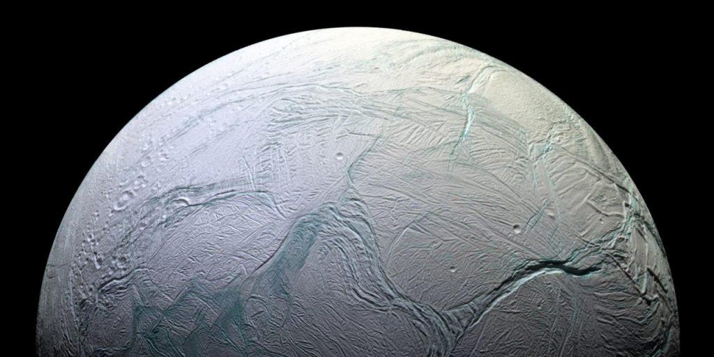 Энцелад. Фото NASA