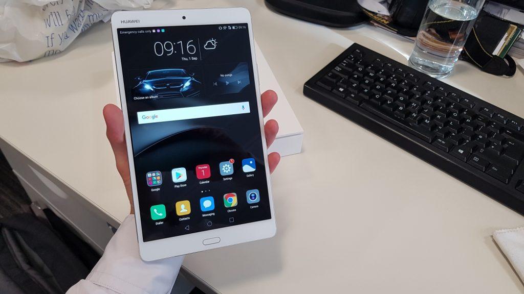 Huawei MediaPad M3. Фото ibtimes.co.uk