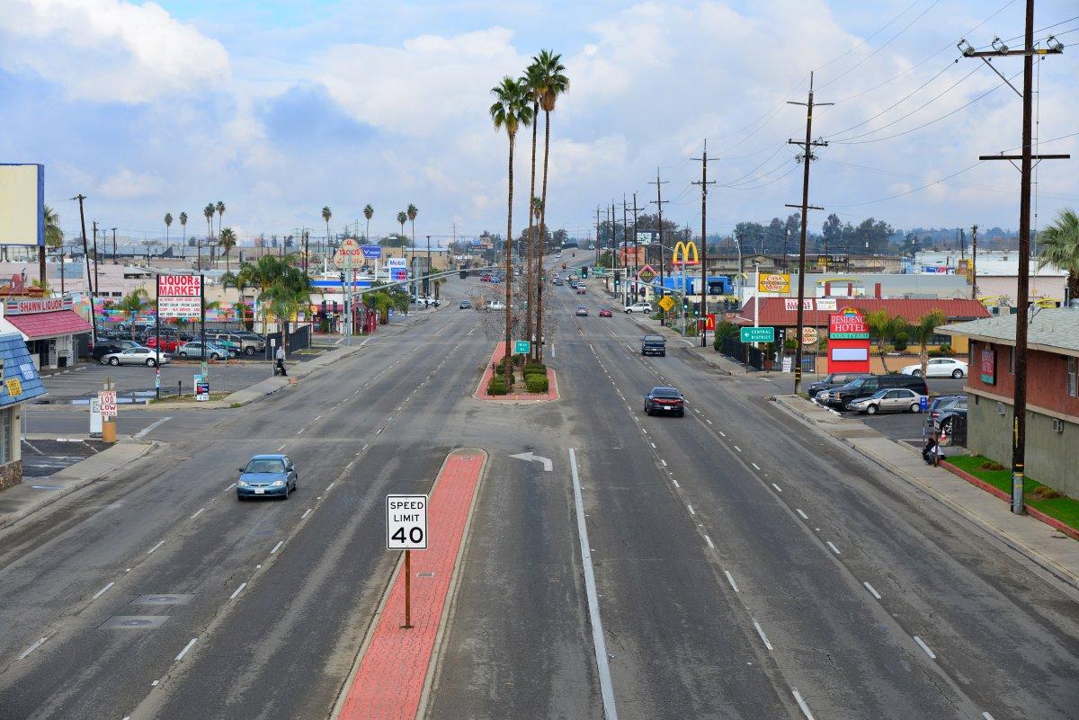 Бейкерсфилд занимается нефтедобычей. Фото: businessinsider.com