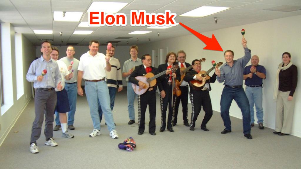 Сотрудники SpaceX в 2002 году. Фото Business Insider