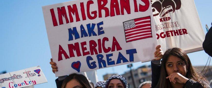 """""""Иммигранты делают Америку великой"""". Фото: bostonglobe.com"""