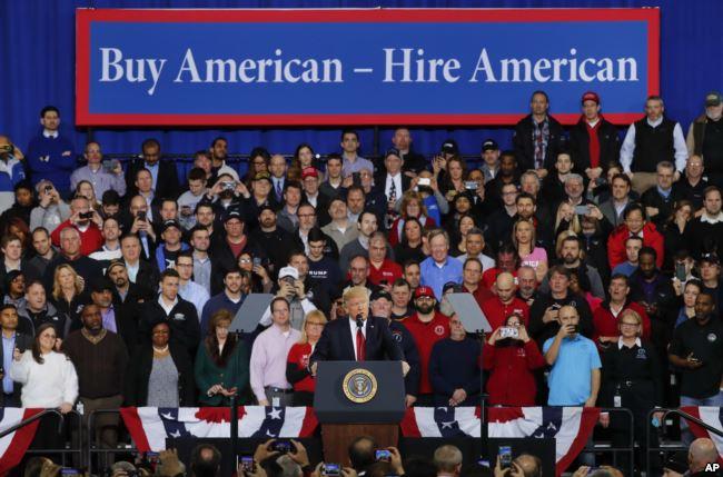 "Трамп запустит программу ""Buy American, Hire American"". Фото: breitbart.com"
