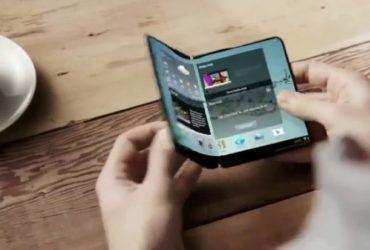 Samsung планирует выпустить складной смартфон