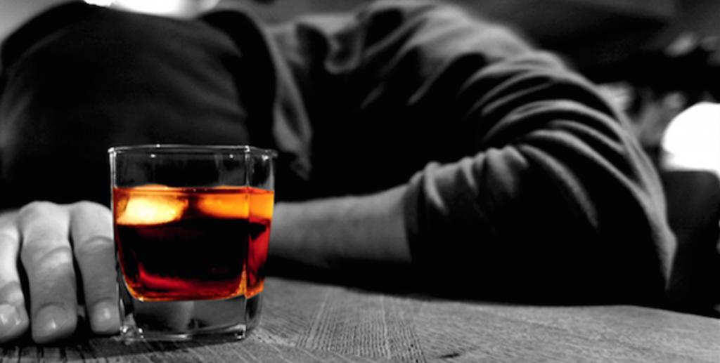 Сильнее всех пьют сильные люди. Фото otvetnavse.com