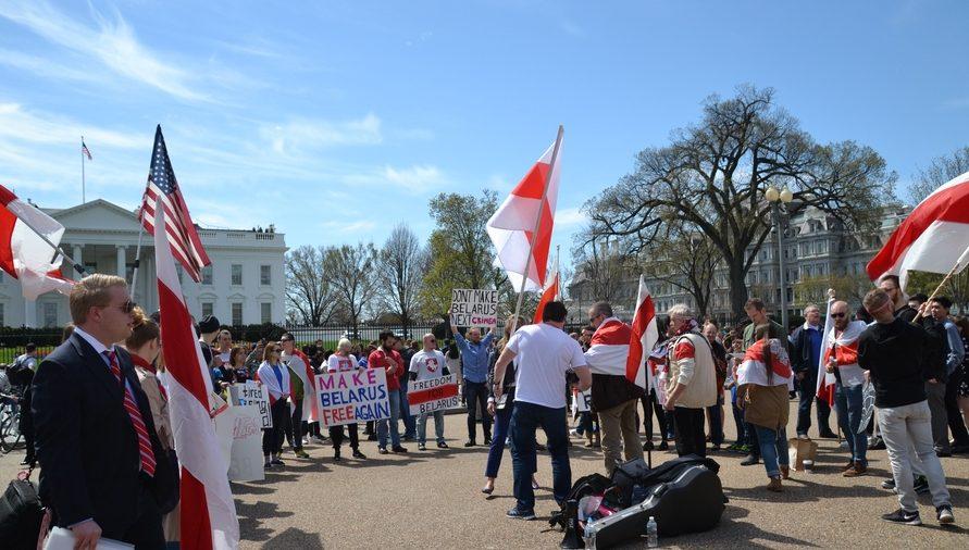 Белорусские иммигранты надеятся, что к их мнению прислушаются власти. Фото: naviny.by