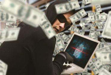 Четверо россиян и белорус украли $5 миллионов