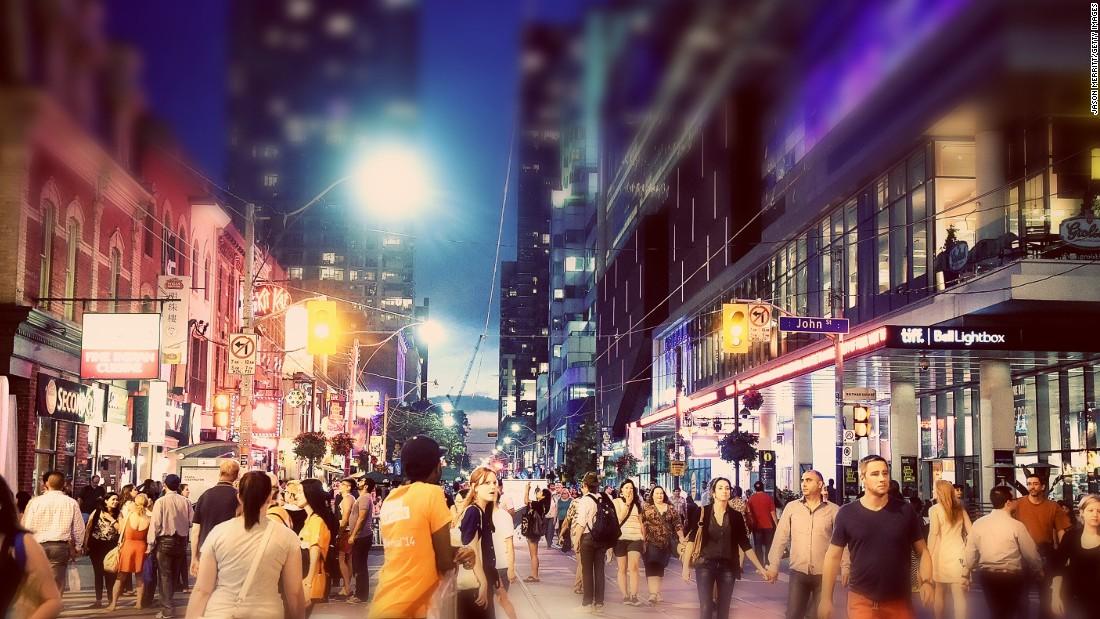 Работать в популярных городах - прибыльно занятие на какое-то время. Фото: cnn.com