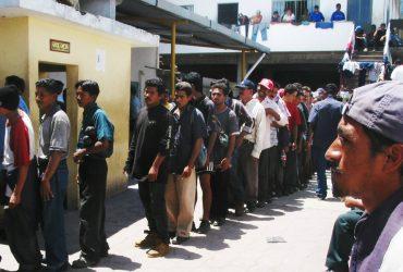Нелегальных иммигрантов могут заставить носить электронные браслеты
