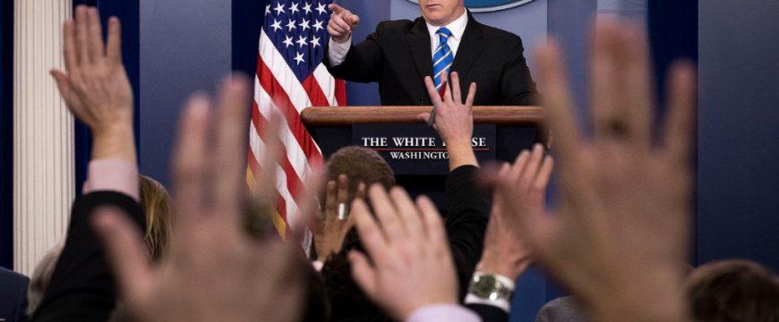 Ежедневные брифинги - неотъемлемая часть политической жизни США. Фото: cnn.com