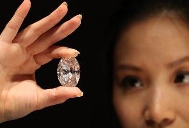 Синтетические бриллианты завоевывают ювелирный рынок