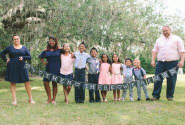 ФОТО: Эта пара усыновила семерых детей одновременно
