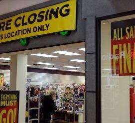 Почему сотрудникам торговых центров нужно опасаться за свою работу
