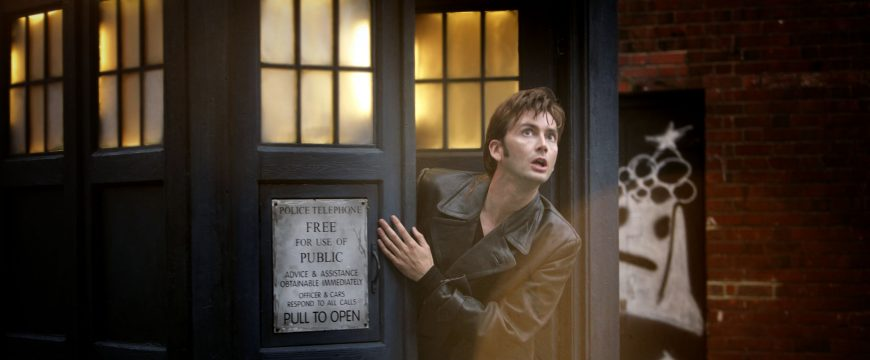 """DOCTOR WHO -- """"The Christmas Invasion"""" Episode 200 -- Pictured: David Tennant as The Doctor -- SCI FI Channel Photo: BBC/Adrian Rogers"""
