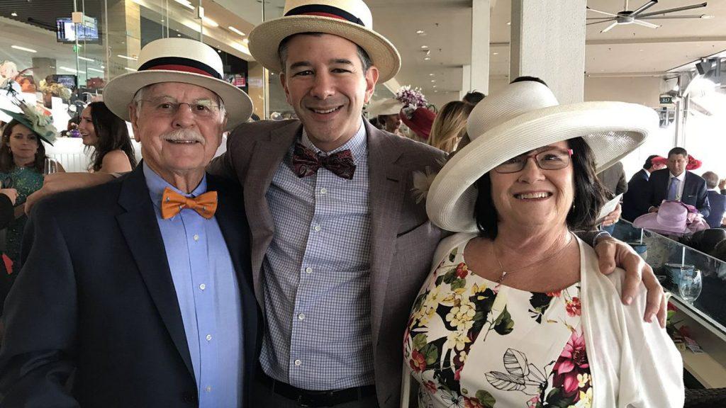 Трэвис Каланик со своими родителями. Фото vox-cdn.com