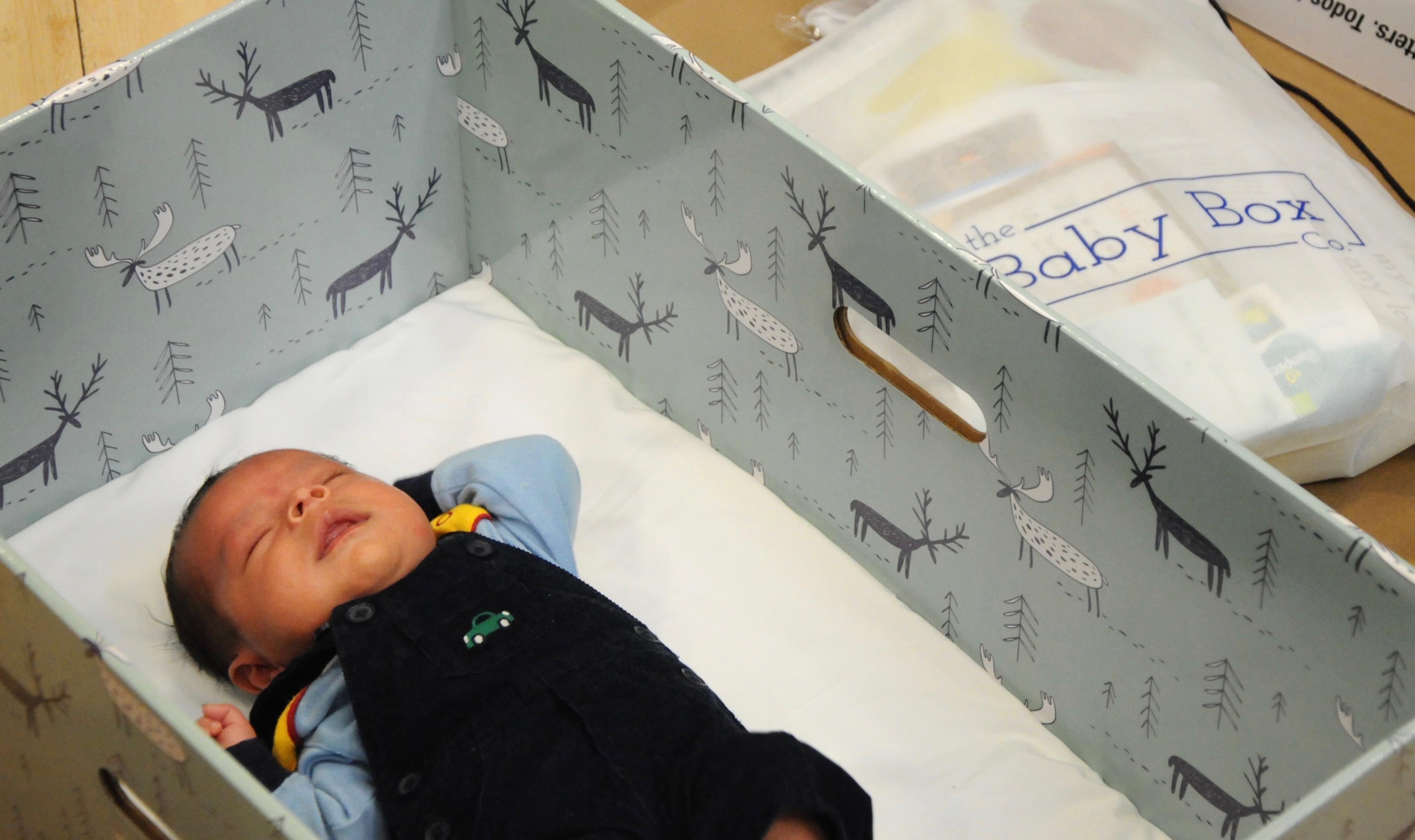 Большинство младенцев в США умирают именно во сне. Фото: todaysparent.com