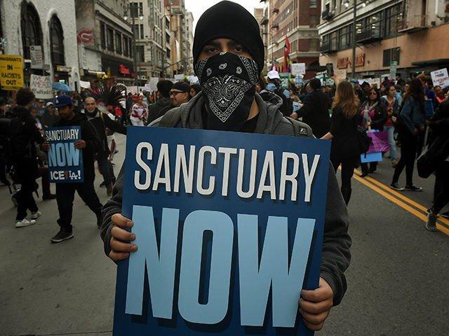 Во многих штатах уже давно запрещены города-убежища. Фото: breitbart.com