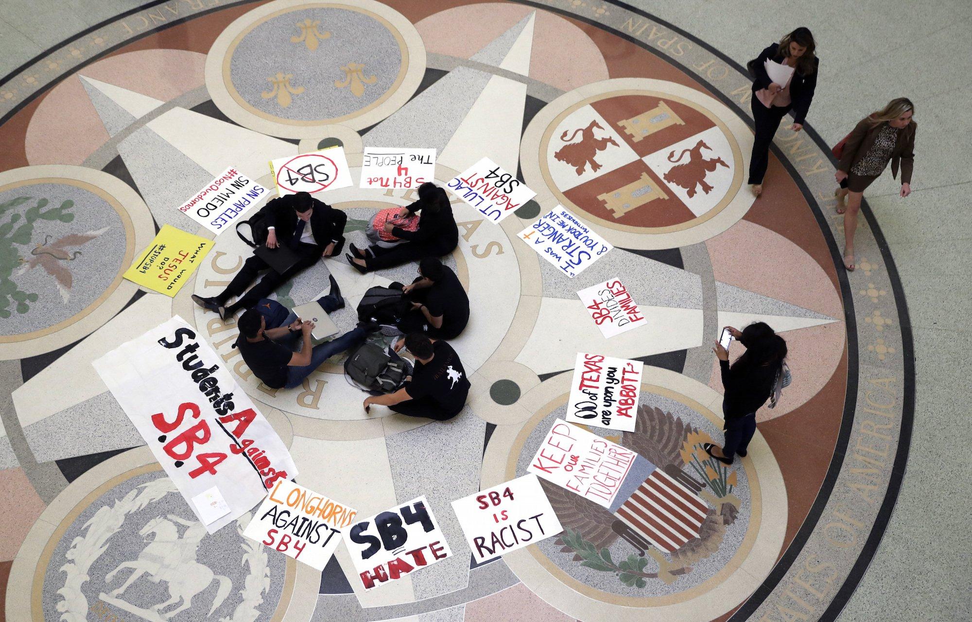 Протесты в Техасе. Фото: businessinsider.com