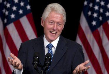 Билл Клинтон выпустит книгу вместе со знаменитым писателем