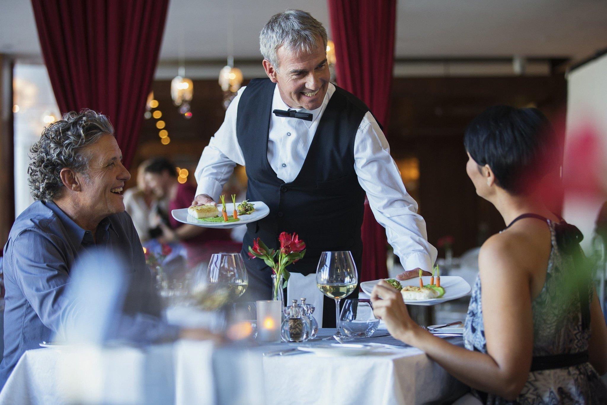 В хороших ресторанах можно заработать огромные чаевые. Фото: chicagotribune.com