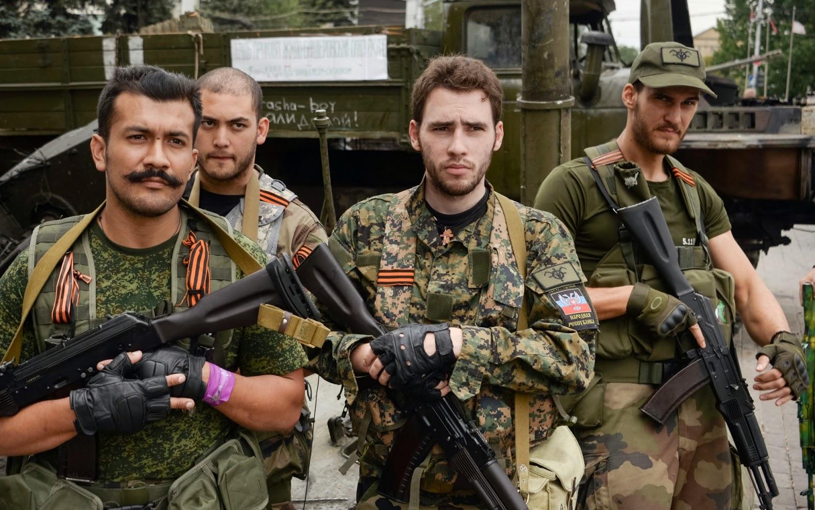Гийом Кувелье (справа) на Донбассе. Фото: anton-shekhovtsov.blogspot.com