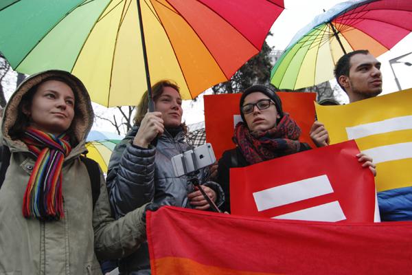 На Брайтон-Бич пройдет первый русскоязычный ЛГБТ-парад. Фото: newsweek.com