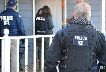 Иммиграционная служба задерживает иммигрантов даже без причины. Фото: wreg.com