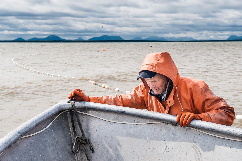 Даже рыбалки могут заработать сотни тыся долларов в год. Фото: hcn.org