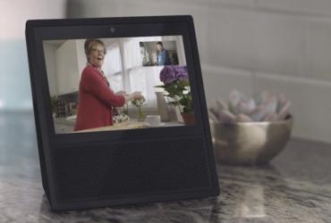 Amazon выпустят новый ассистент с камерой и экраном