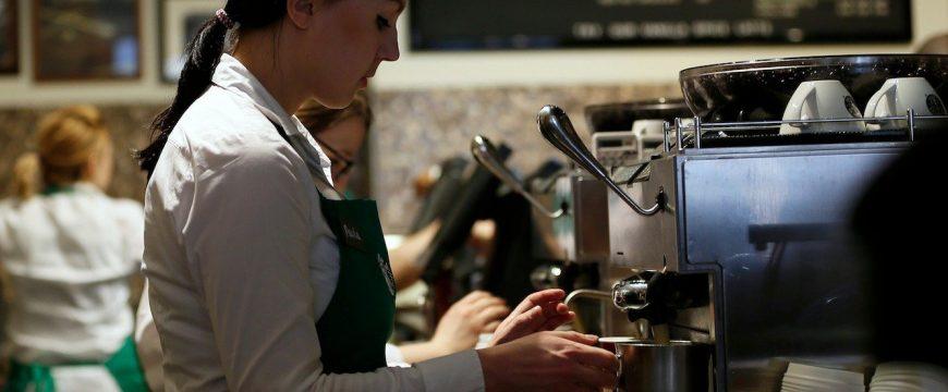 Сотрудники Starbucks жалуются на условия труда. Фото: businessinsider.com