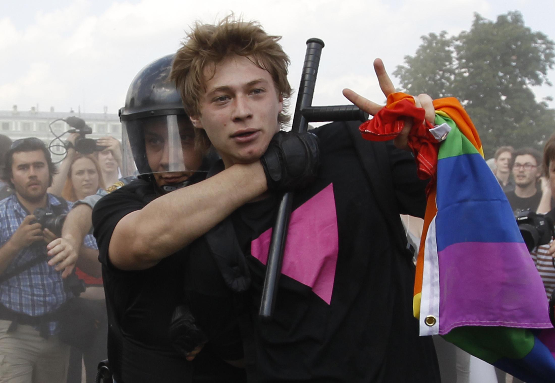 Аресты российских ЛГБТ-активистов в 2013 году. Фото: businessinsider.com
