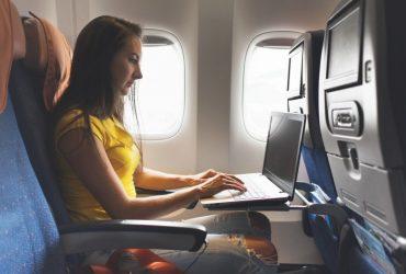 США хотят запретить ноутбуки в самолетах на всех международных рейсах