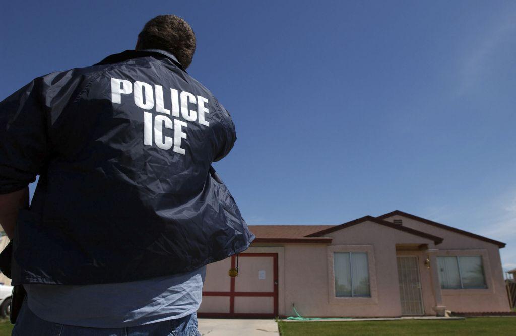 Иммиграционная служба подвердила, что не рассылала объявления. Фото: startribune.com