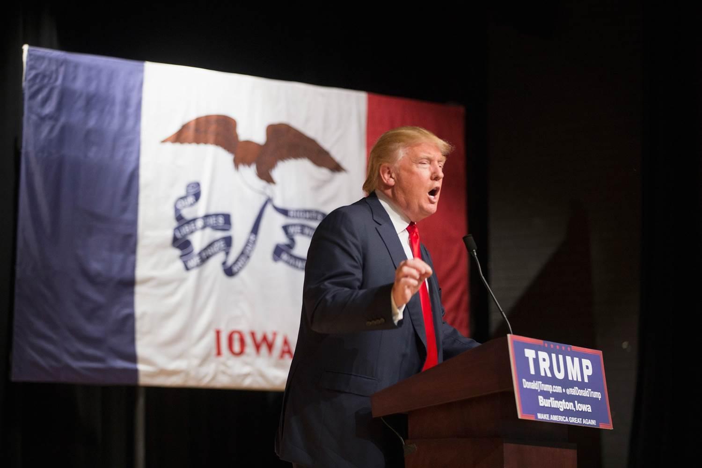 Трамп обещал отменить иммигрантам социальны пособия. Фото: nbcnews.com