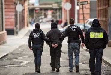 Что делать, если к вам пришла иммиграционная служба