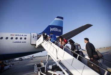 Самолет JetBlue загорелся из-за ноутбука