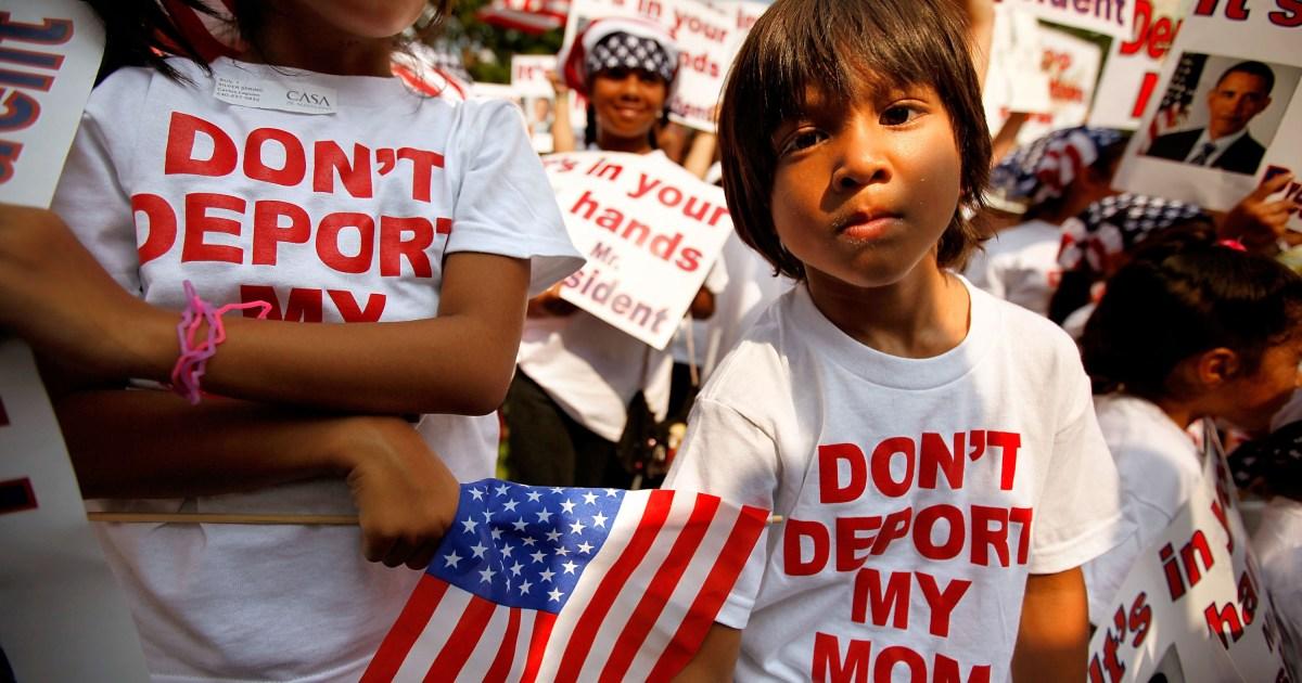 Дети протестуют против депортации родителей. Фото: pbs.org