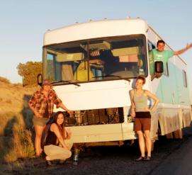 Как фургон с юристами спасает молодых нелегалов от депортации