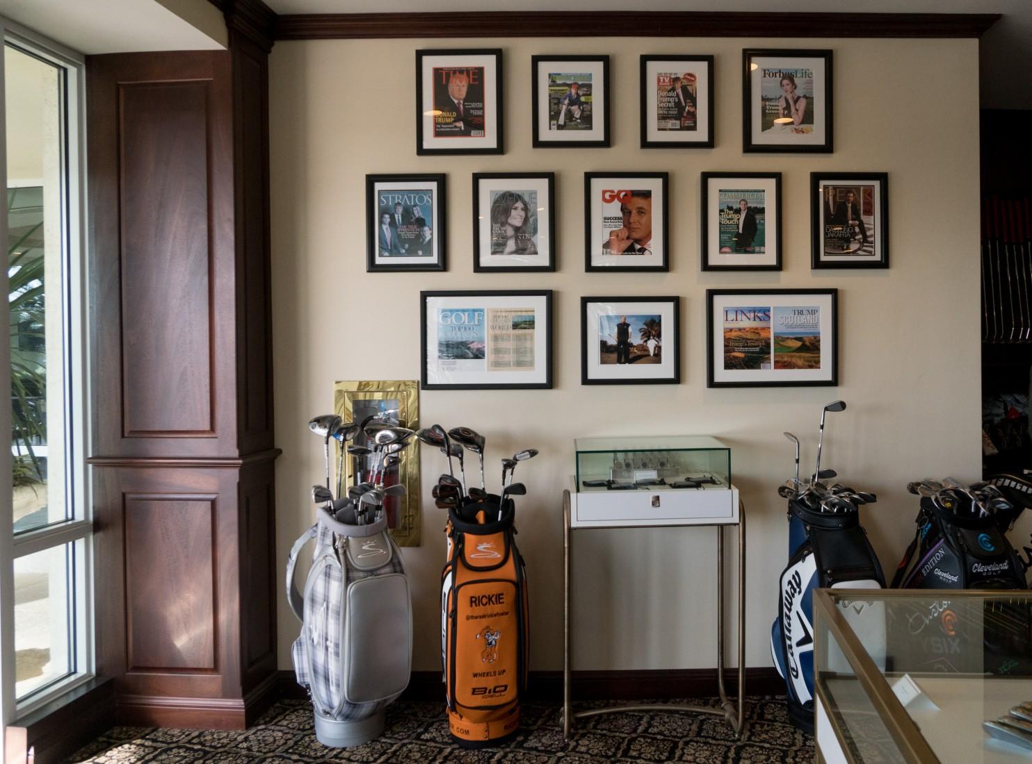 Стена с обложками журналов в одном из гольф-клубов Трампа. Фото: washingtonpost.com