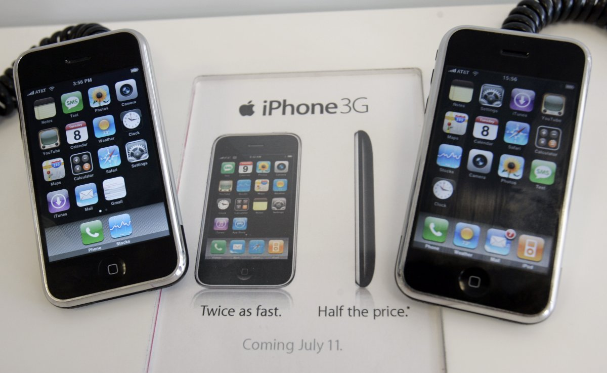 3G появился только на втором iPhone. Фото: businessinsider.com