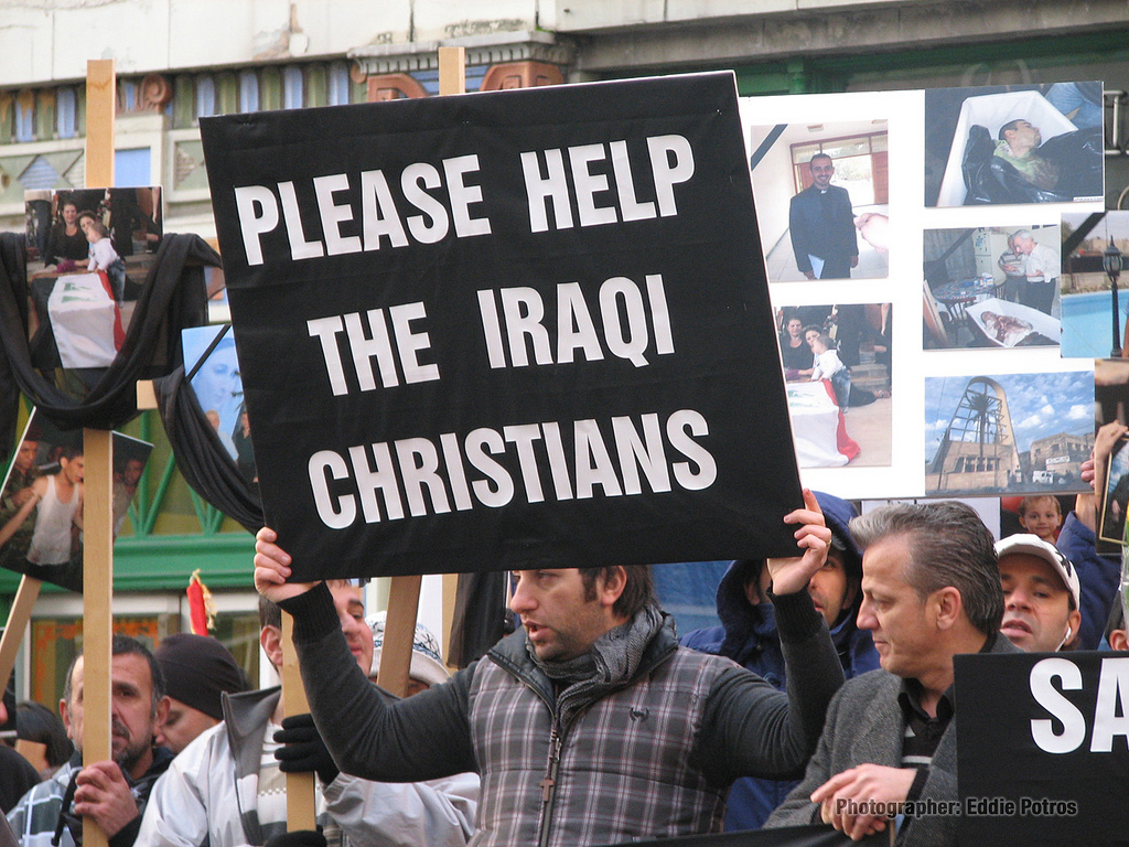 Многие христиане приехали в США еще в начале ХХ века. Фото: qpolitical.com