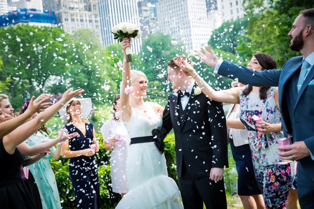Фиктивные браки лучше не заключать. Фото: ultimateusaweddings.com