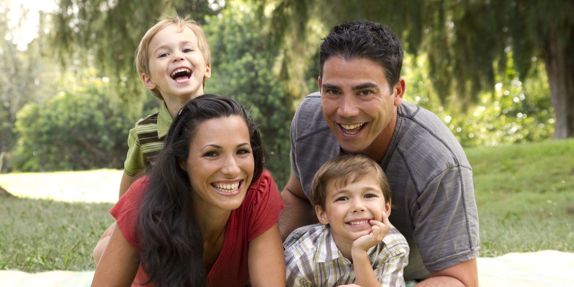 Отцам-американцам теперь не нужно жить в США 10 лет, чтобы передать ребенку свое гражданство. Фото: huffingtonpost.com