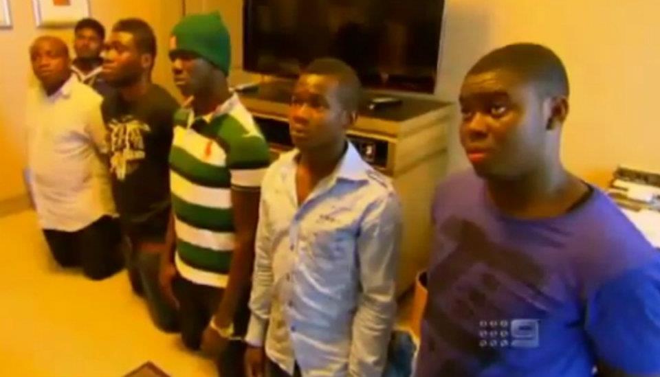 Задержание участников аферы. Фото: onlineinvestigations.com.au