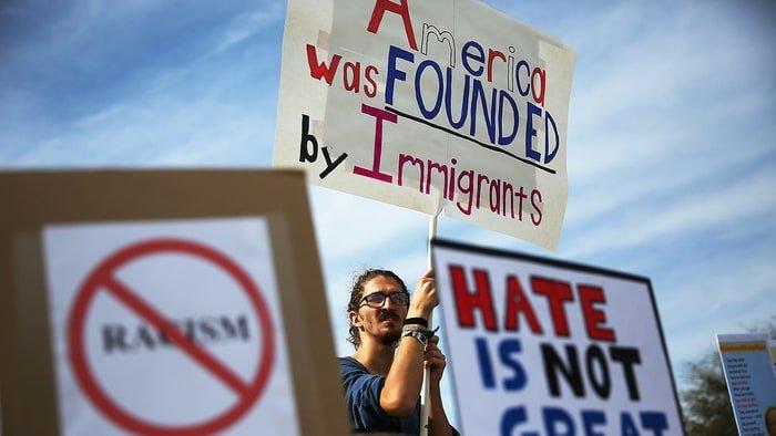 Теперь закон должны принять в сенате. Фото: cnsnews.com