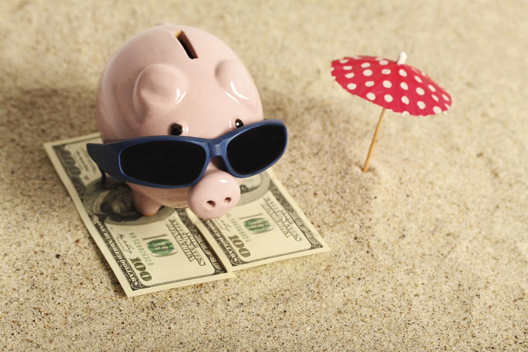 Бюджет в отпуске необходимо запланировать заранее. Фото: livingrichwithcoupons.com