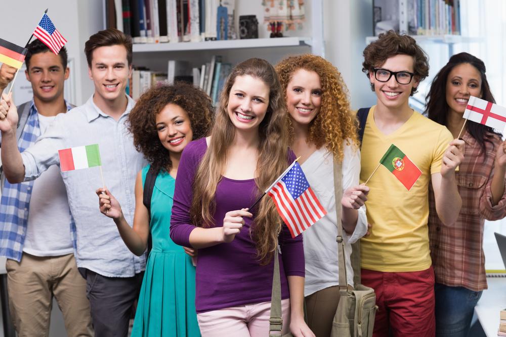 Сейчас иностранцы с большим желанием едут учиться в Канаду или Австралию. Фото: qsdigitalsolutions.com